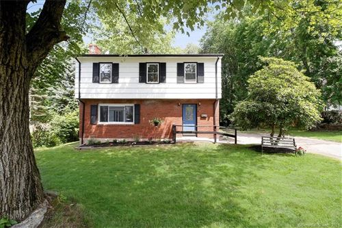 Photo of 14 Sunset Terrace, Middletown, CT 06457 (MLS # 170423506)