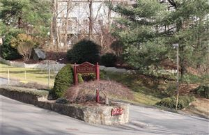 Photo of 925 Oronoke Road #23D, Waterbury, CT 06708 (MLS # 170173534)