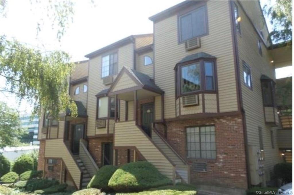 Photo for 8 Oakwood Avenue #C6, Norwalk, CT 06850 (MLS # 170051535)