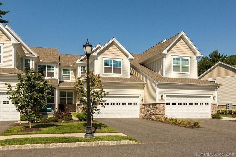 Photo for 43 Ridgewood Drive, Middlebury, CT 06762 (MLS # 170060559)