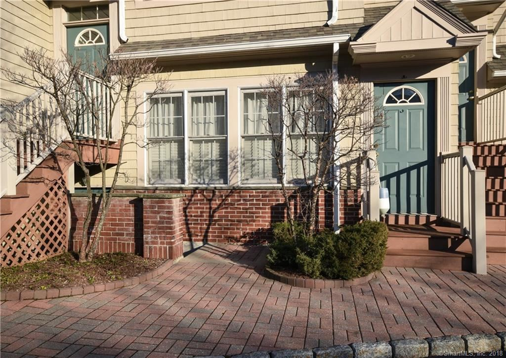 Photo for 81 Locust Avenue #313, New Canaan, CT 06840 (MLS # 170047560)