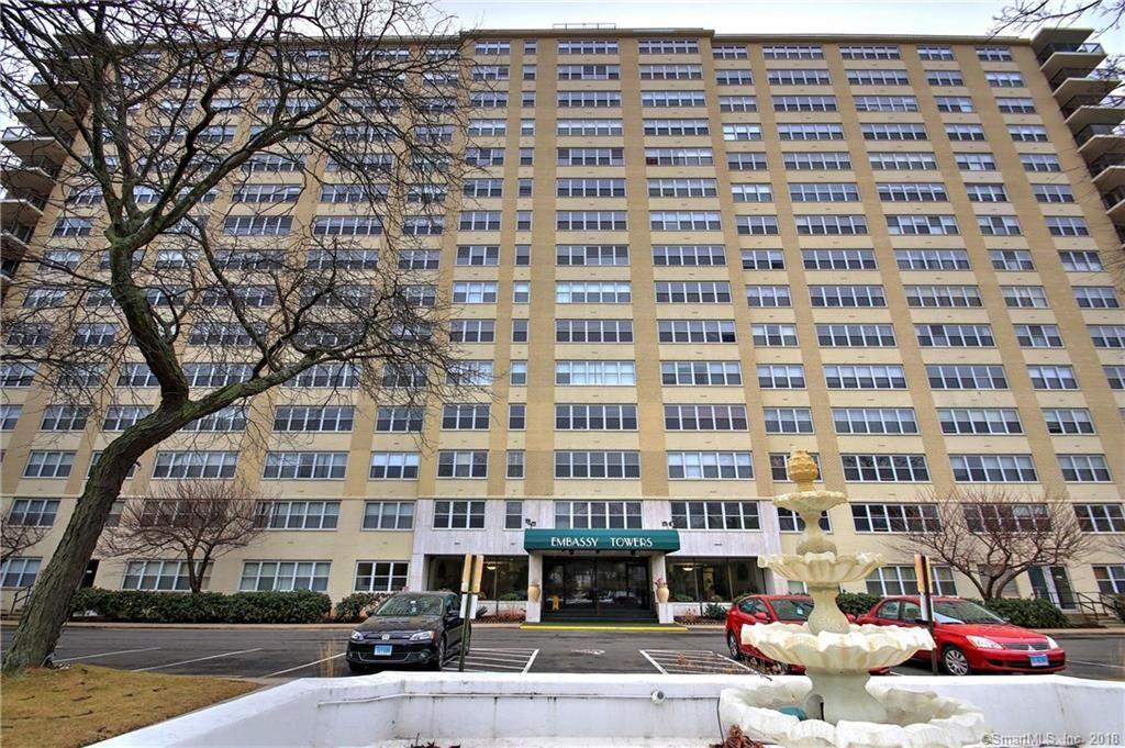 Photo for 2625 Park Avenue #2J, Bridgeport, CT 06604 (MLS # 170052587)