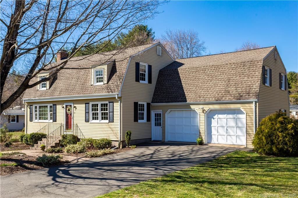 Photo of 12 Parkview Drive, Avon, CT 06001 (MLS # 170284587)