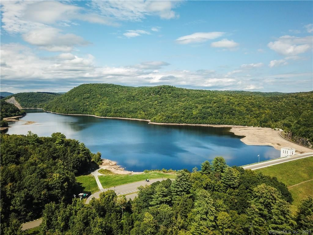 Photo of 10 Kelsey Court, Barkhamsted, CT 06063 (MLS # 170440600)