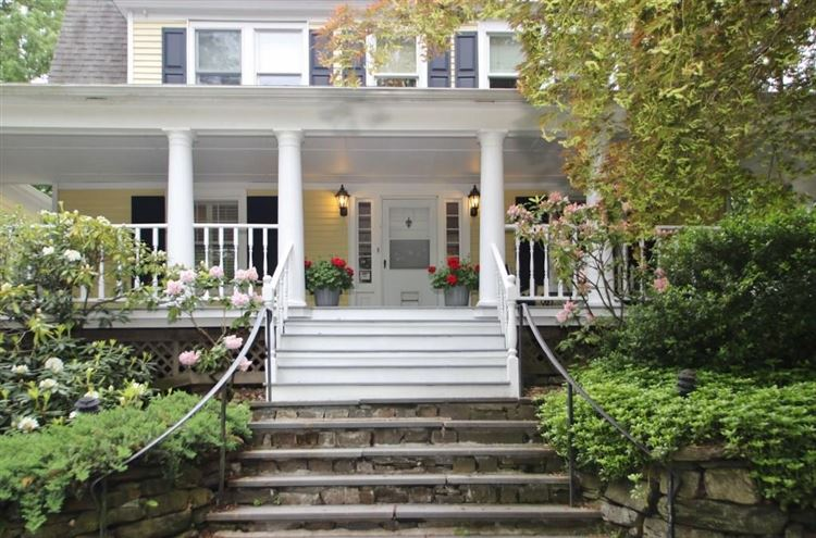 Photo for 331 Main Street, New Canaan, CT 06840 (MLS # 99189604)