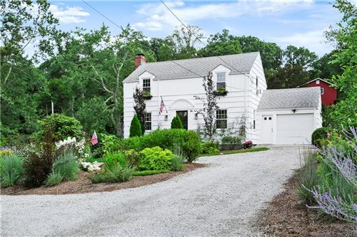 Photo of 322 Sport Hill Road, Easton, CT 06612 (MLS # 170422615)