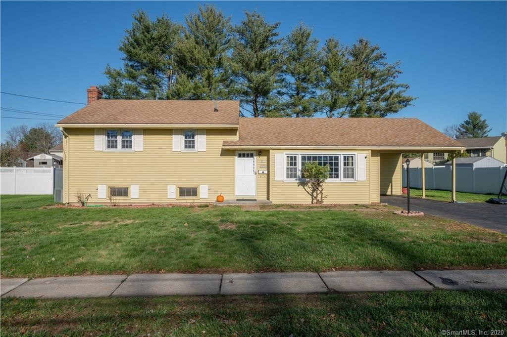 Photo of 20 Kimberly Road, West Hartford, CT 06107 (MLS # 170356615)