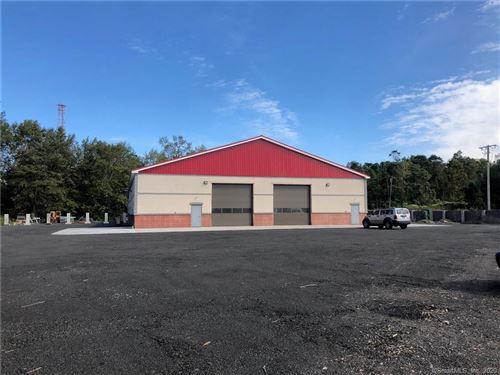 Photo of 33 Old Amity Road, Bethany, CT 06524 (MLS # 170324616)