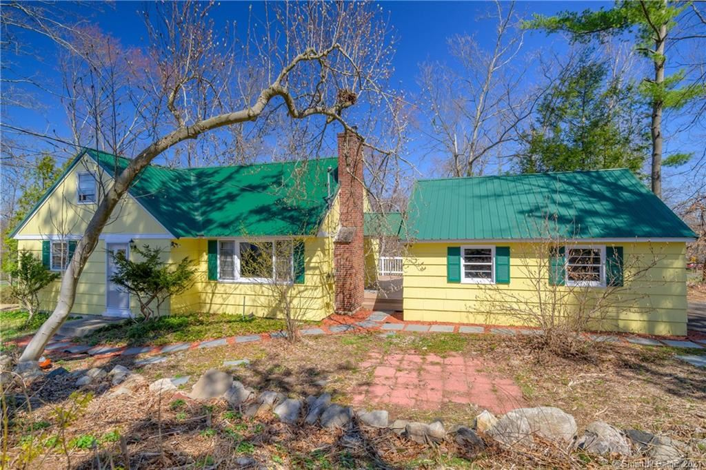 Photo of 6 Woodview Drive, Brookfield, CT 06804 (MLS # 170383624)
