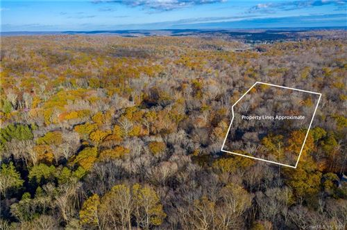 Photo of 6 Hoopole Hill Road, Deep River, CT 06417 (MLS # 170410626)