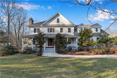 Photo of 7 Carriage Hill Road, Woodbridge, CT 06525 (MLS # 170385631)