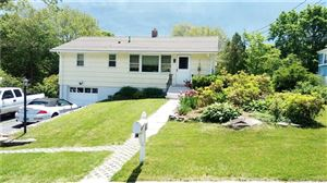Photo of 11 Hilltop Terrace, Waterford, CT 06385 (MLS # 170033634)