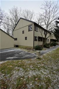Photo of 1 Summit Court #1, Woodbury, CT 06798 (MLS # 170149642)