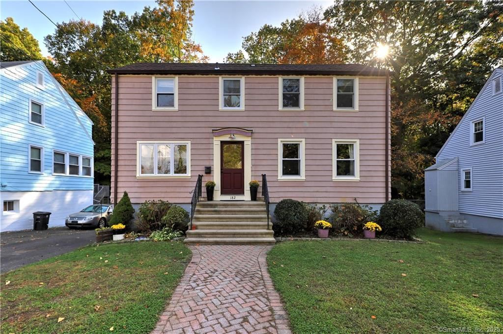 Photo of 182 Ray Road, New Haven, CT 06515 (MLS # 170348703)