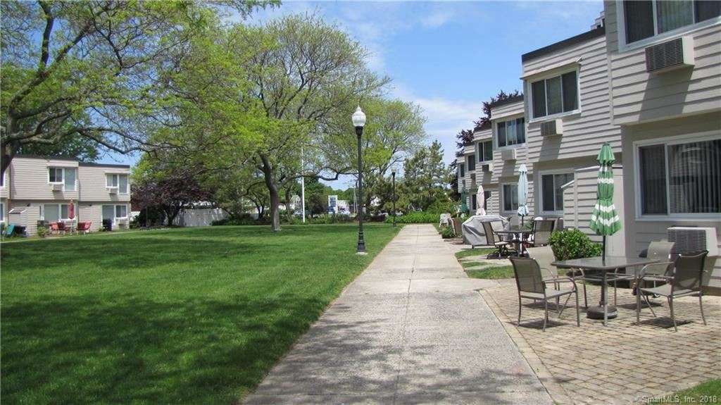 Photo for 114 West Walk #114, West Haven, CT 06516 (MLS # 170142713)