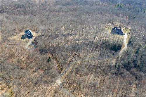 Photo of 136 Quanopaug Trail, Woodbury, CT 06798 (MLS # 170282719)