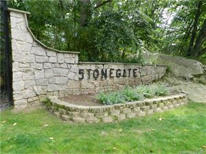 Photo of 30 Stonegate #F, Branford, CT 06405 (MLS # 170105722)