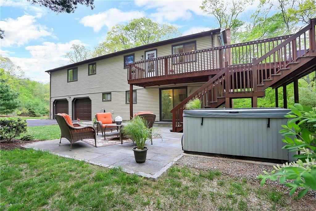 Photo for 5 Indian Ledge Drive, Trumbull, CT 06611 (MLS # 170082729)