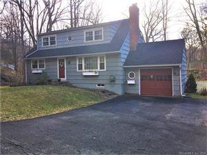 Photo of 542 Bennetts Farm Road, Ridgefield, CT 06877 (MLS # 170130738)