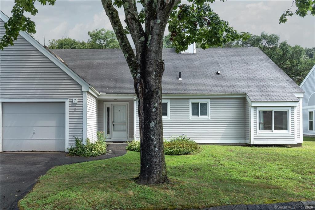 Photo of 7 Woodbury Place #7, Woodbury, CT 06798 (MLS # 170326743)