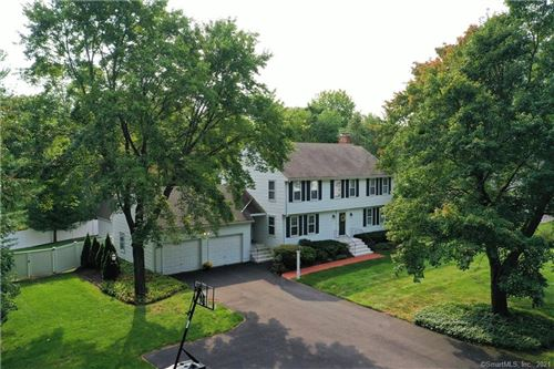 Photo of 34 Homestead Lane, Avon, CT 06001 (MLS # 170439746)