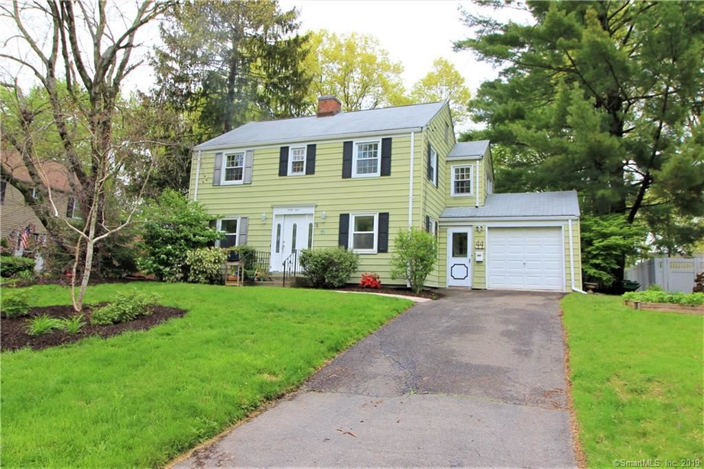 Photo for 44 Craigmoor Road, West Hartford, CT 06107 (MLS # 170196754)