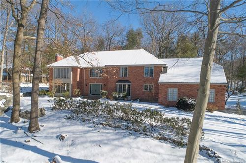 Photo of 25 Saxon Woods, Avon, CT 06001 (MLS # 170369766)