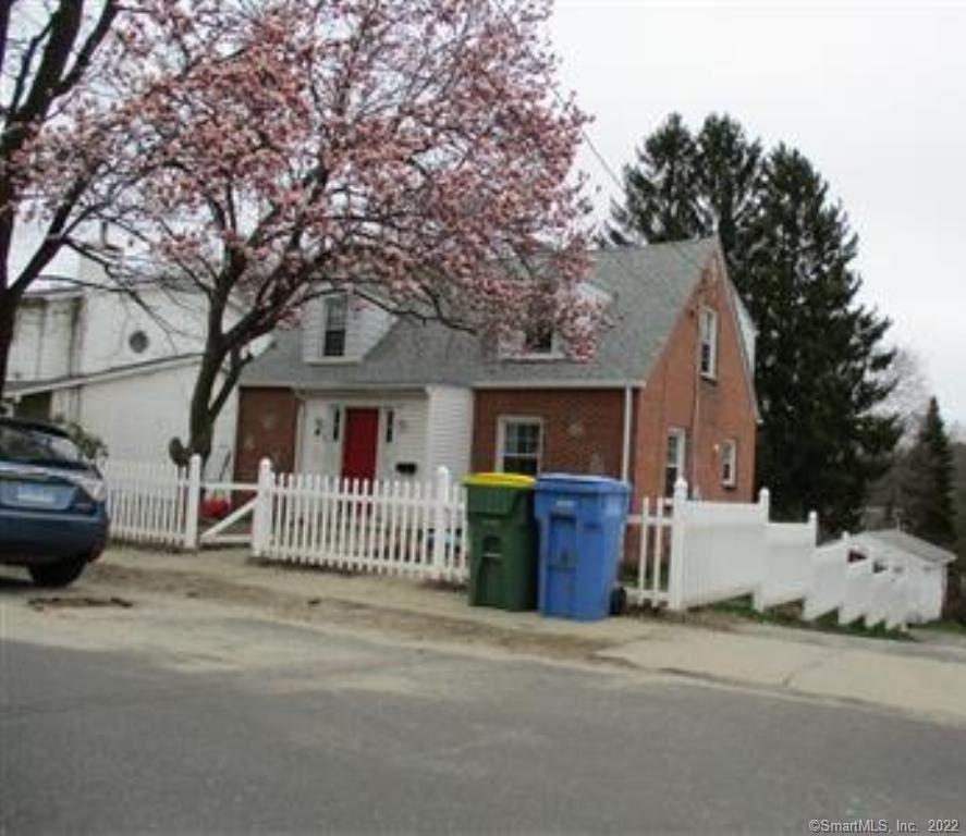 Photo of 20 Lone Oak Avenue, Waterbury, CT 06704 (MLS # 170411771)