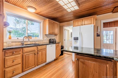Tiny photo for 3 Irving Place, East Lyme, CT 06357 (MLS # 170438779)