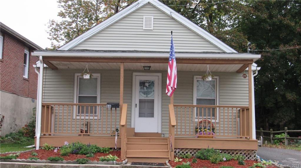 88 Oak Avenue, Torrington, CT 06790 - MLS#: 170447801