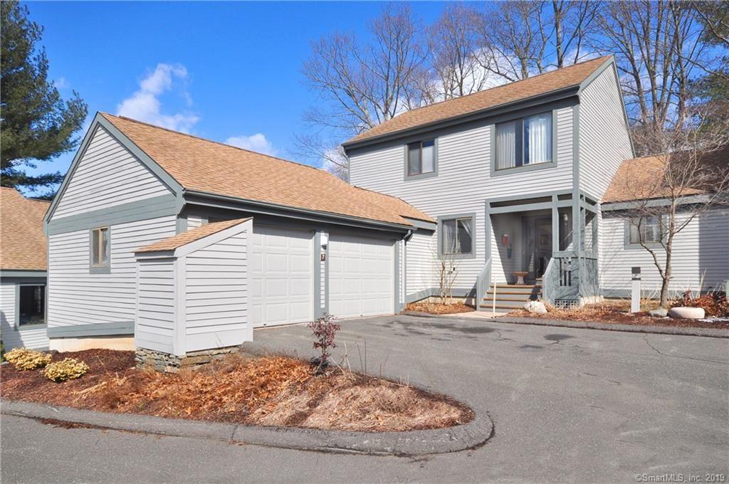 Photo for 7 Sweetbriar Lane #7, Avon, CT 06001 (MLS # 170167838)