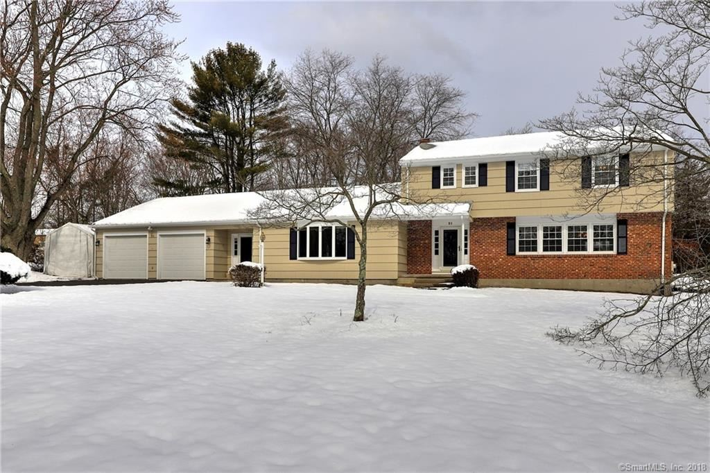 Photo for 21 Country Club Road, Trumbull, CT 06611 (MLS # 170060842)