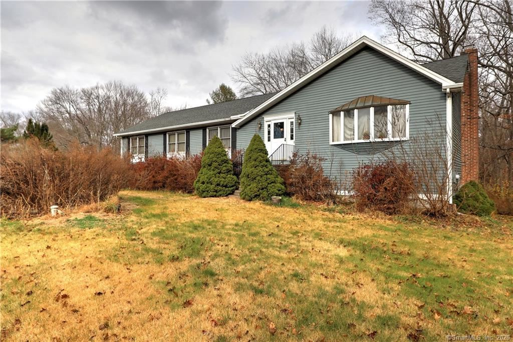 Photo for 44 Lavery Lane, Milford, CT 06461 (MLS # 170358842)