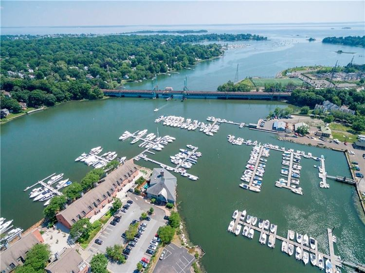 Photo for 11 River Road #110, Greenwich, CT 06807 (MLS # 99189857)