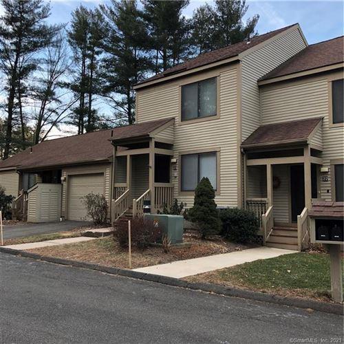 Photo of 23 Putnam Lane #23, Avon, CT 06001 (MLS # 170408859)
