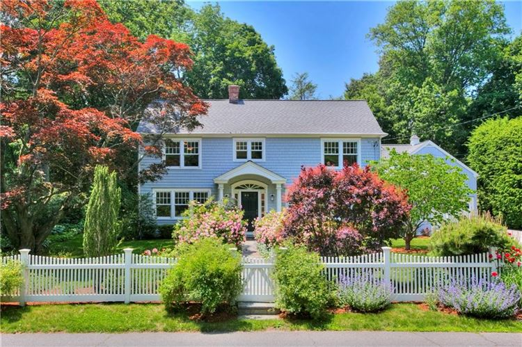 Photo for 9 Lakeside Avenue, Darien, CT 06820 (MLS # 99189877)