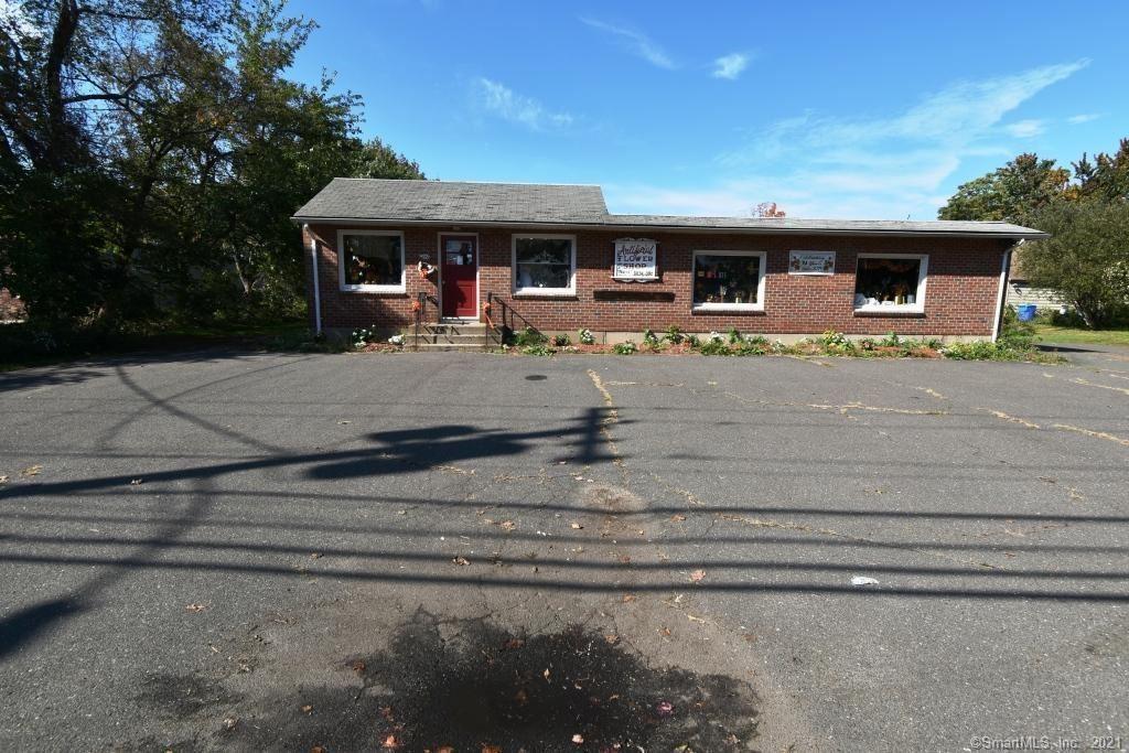 Photo of 246 Lake Avenue, Bristol, CT 06010 (MLS # 170445894)