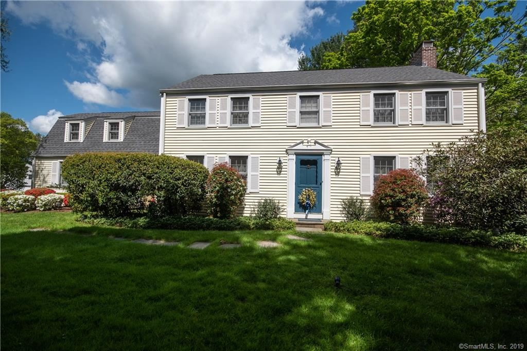 Photo for 6 Stoner Drive, West Hartford, CT 06107 (MLS # 170225897)