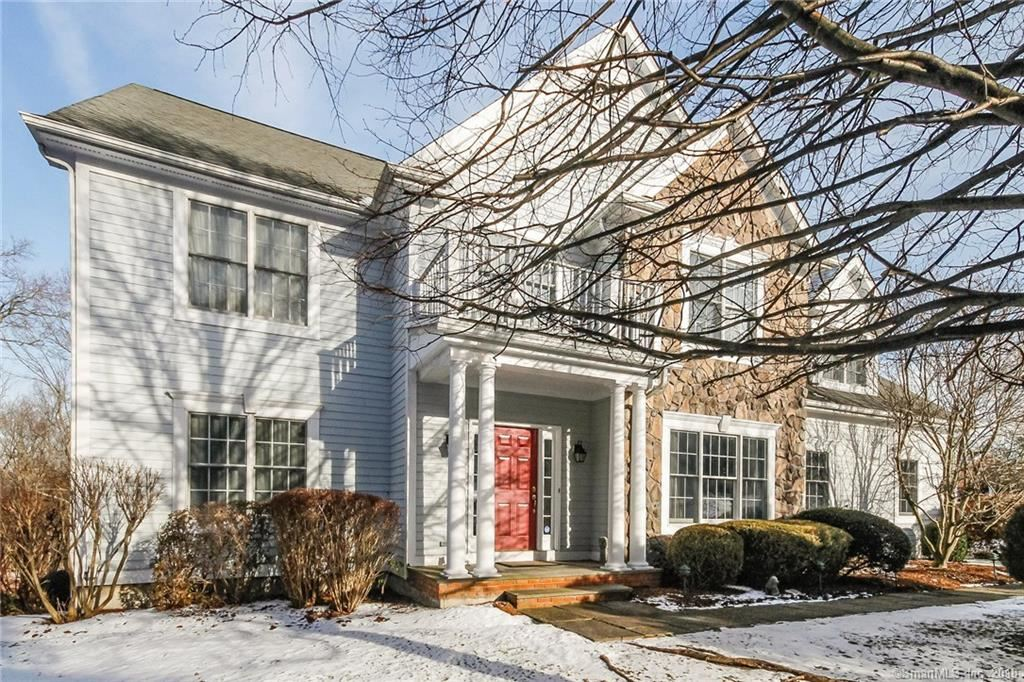 Photo for 51 West Rock Trail, Stamford, CT 06902 (MLS # 170041909)