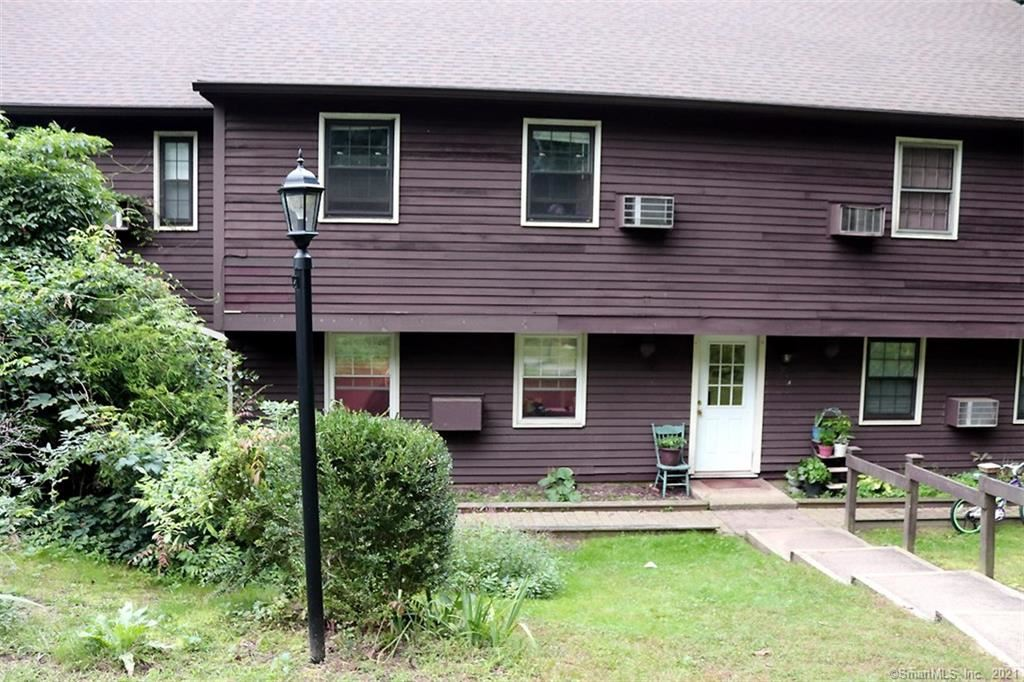 Photo for 239 Old Farms Road #16B, Avon, CT 06001 (MLS # 170439912)