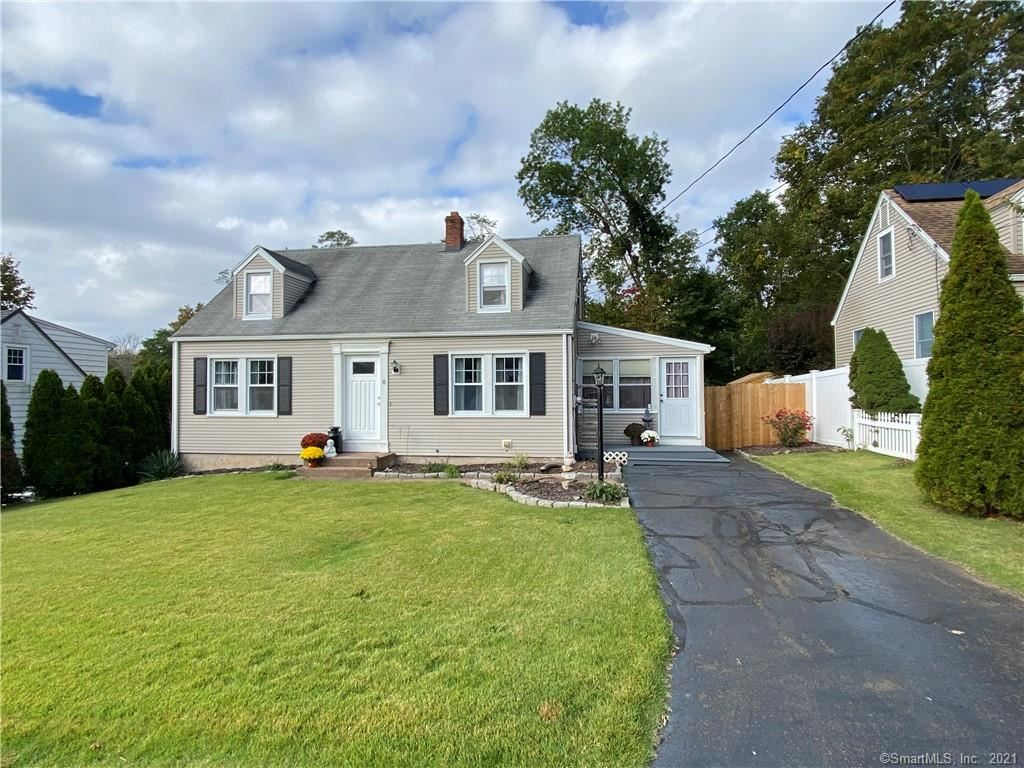 8 Mountain View Terrace, East Haven, CT 06512 - MLS#: 170444916