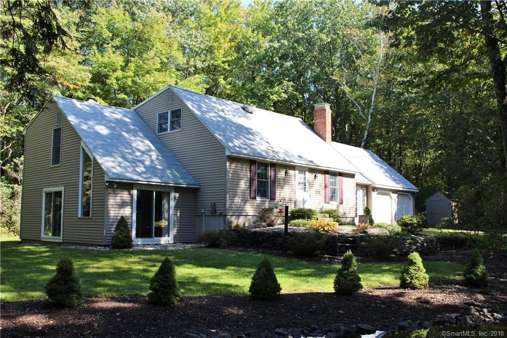 Photo for 14 Birchwood Drive, Barkhamsted, CT 06063 (MLS # 170130927)