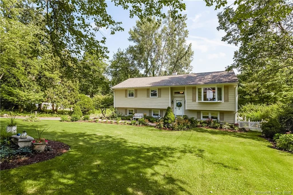 Photo for 39 Driftway Point Road, Danbury, CT 06811 (MLS # 170318930)