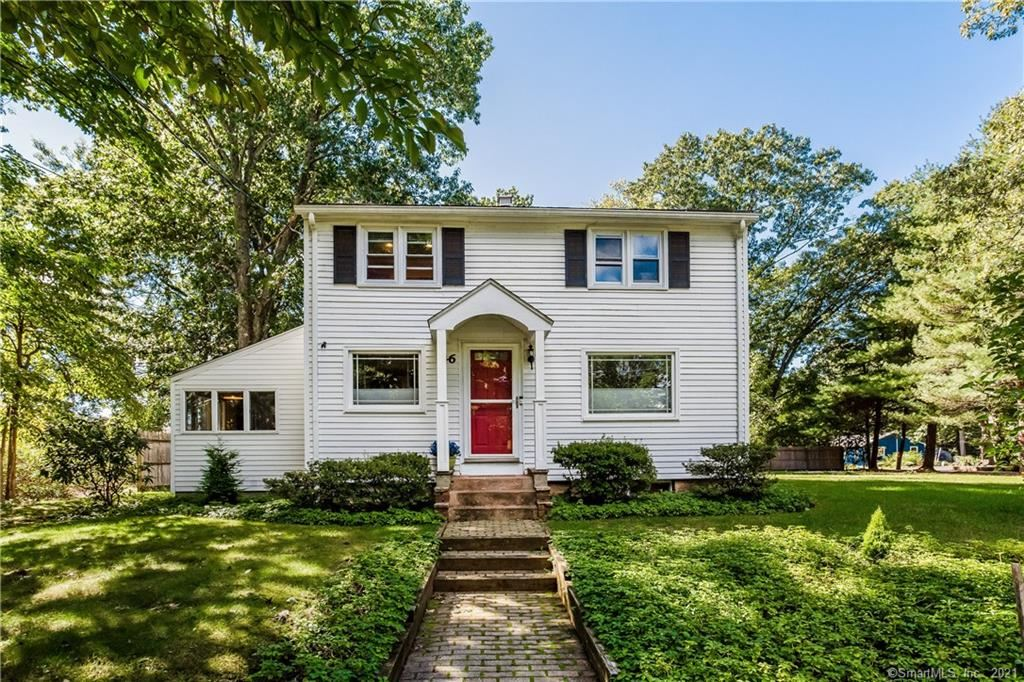 Photo for 46 Lakeview Boulevard, Avon, CT 06001 (MLS # 170439934)
