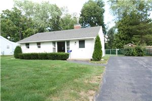 Photo of 12 Cottage Grove Circle, Bloomfield, CT 06002 (MLS # 170231936)