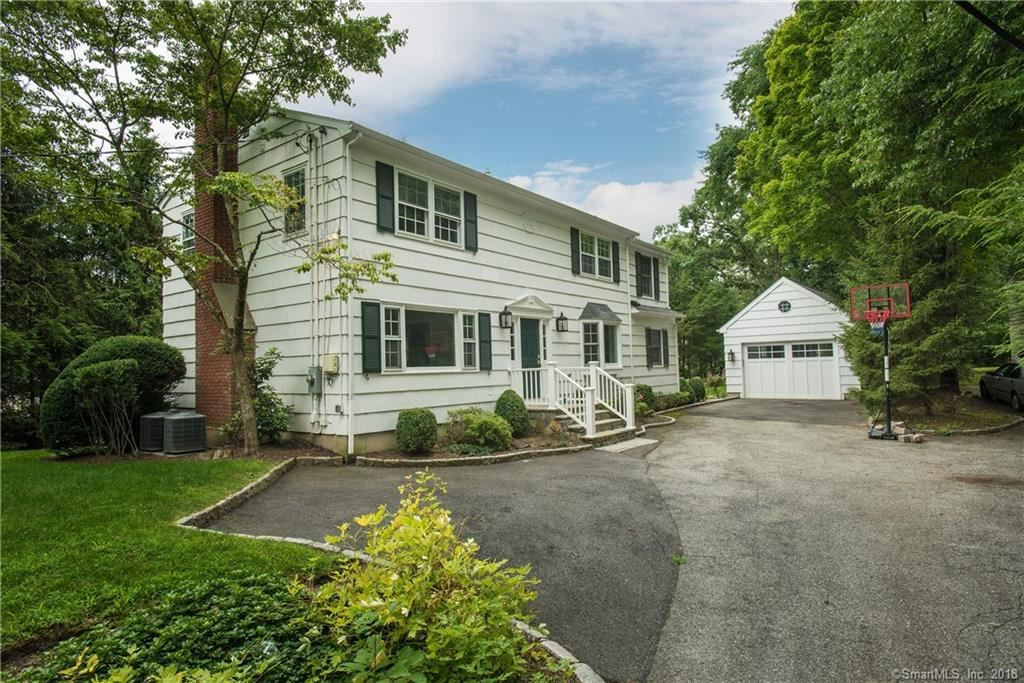 Photo for 22 Mianus View Terrace, Greenwich, CT 06807 (MLS # 170111959)
