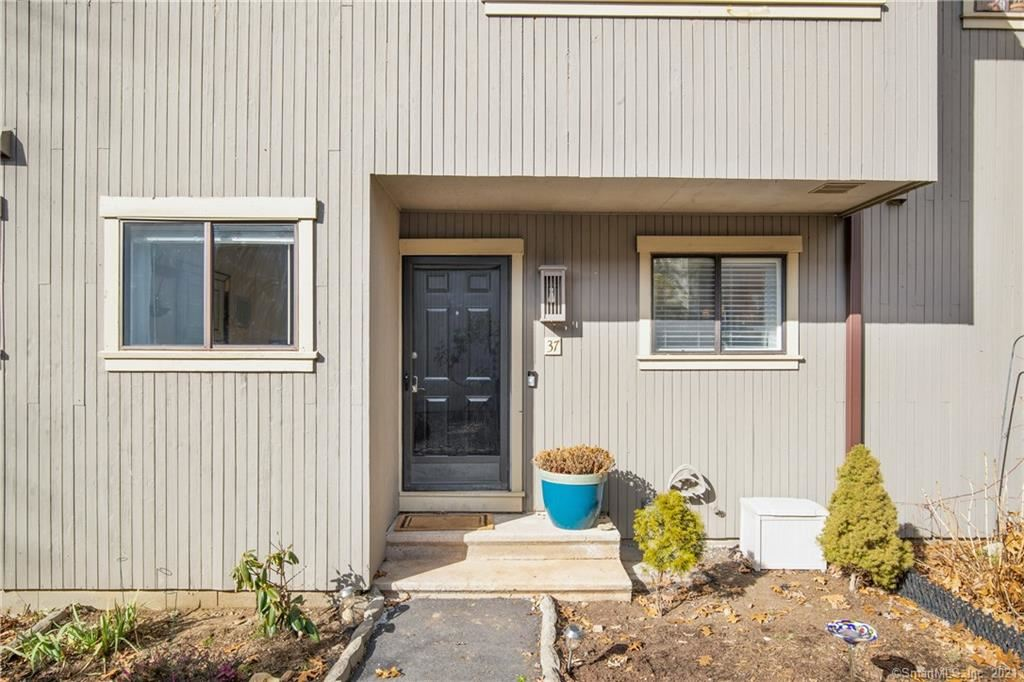 Photo of 37 Woods Way #37, Woodbury, CT 06798 (MLS # 170367959)