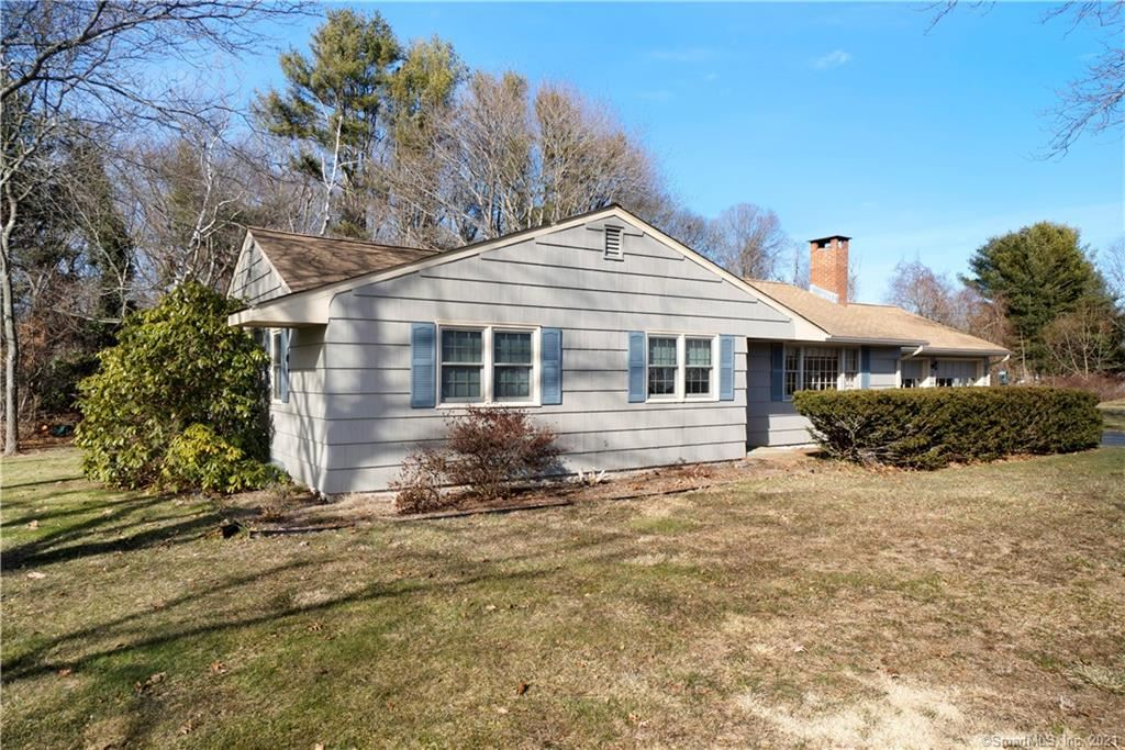 Photo of 7 Roberts Street, Old Saybrook, CT 06475 (MLS # 170367970)