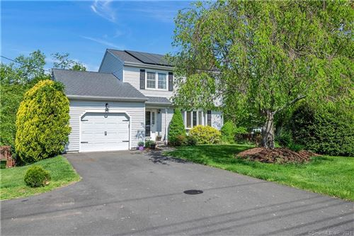 Photo of 47 Sentinel Hill Road, North Haven, CT 06473 (MLS # 170407975)