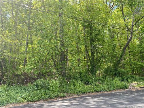 Photo of 18 Davis Road, Woodbridge, CT 06525 (MLS # 170399990)